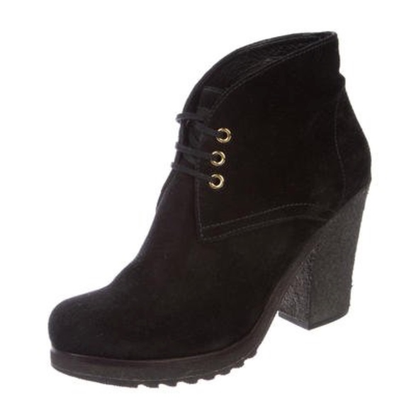 7162d76003bf PRADA SPORT SUEDE LACE-UP ANKLE BOOTS. M 5ad37f15a44dbe14b2967f32
